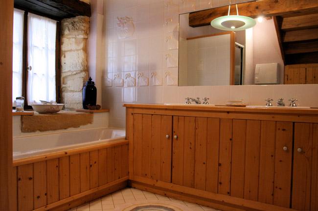salle de bain gite La Grange du Mas Les Eyzies Périgord Noir